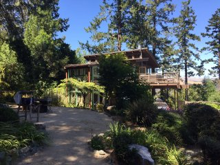 Smart Four Bedroom with Views Surrounded by Nature, Olema