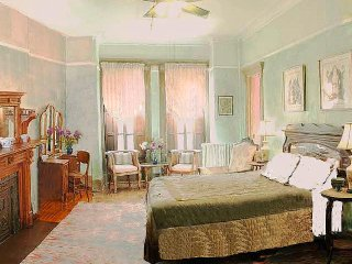 Villa 121 Harlem Guest House (Green Suite 2)