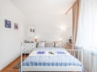Prague Holiday Apartment 10208
