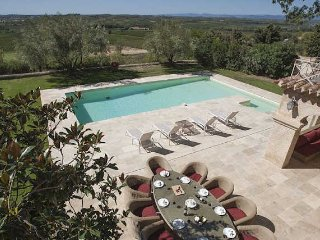 Luxury villa South France with private pool sleeps 10