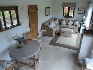 Martins Cottages - Foxglove - sleeps 4. 2 double bedrooms. 2 bathrooms.  WIFI