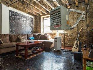 Room available in Hip Brooklyn Loft