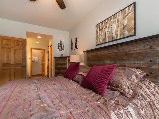 Hidden River Lodge 5975 - Walk to slopes, amazing ski area views!, Keystone