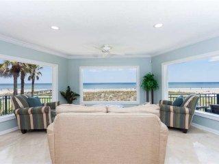 Golden Star, 7 Bedroom & Loft, Beach Front, Near Mayo Clinic, Sleeps 18, Jacksonville Beach