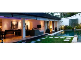 Beautiful 2 bedroom Villa located in Seminyak Beach.  Sleeps 6