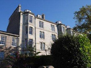 Spacious 4 bedroom maisonette flat -stunning views, Dundee