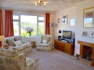 Longtail - Bright, spacious bungalow – lovely views, close to East coast, Brading