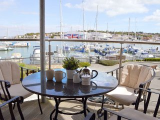 Harbour View - Extremely spacious apartment with fabulous harbour view, Cowes