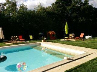 Gîtes de charme en Périgord Noir avec piscine