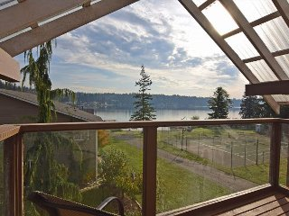 Lake Luxury - Walk to Goodwin Lake, Near Tulalip Casino and Outlet Malls