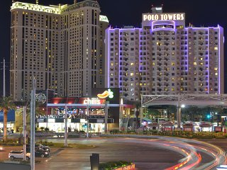 Polo Towers Suites - 1 Bedroom Suite (Sleeps 4)