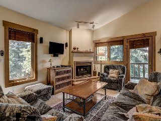 3BR, 3BA Townhouse in Steamboat Springs with Hot Tub Deck