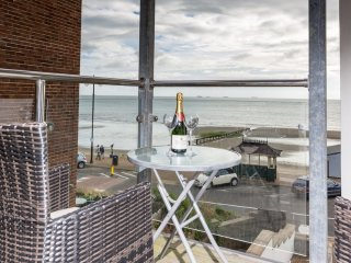 Lower Chine Apartment located in Shanklin, Isle Of Wight