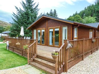 PING LODGE, detached ground floor lodge, WiFi, Glendevon, Ref: 938051