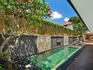 Faboulus Villa Five Bedroom with Private Pool, Legian