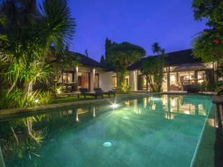 GreenC, Luxury 2 Bedroom Villa, Closed Living, Seminyak