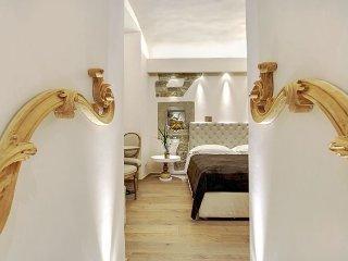 Stile Signoria apartment in Duomo {#has_luxurious…, Donnini