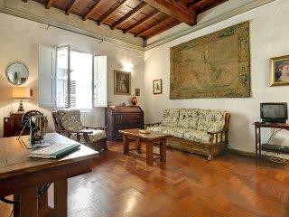 Casa del Moro apartment in Duomo {#has_luxurious_…, Donnini