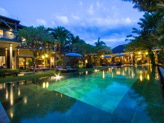 TigaC, 3 Bedroom luxury Villa, closed living, Seminyak