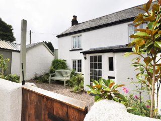 HOOPE Cottage in Beaford, Winkleigh