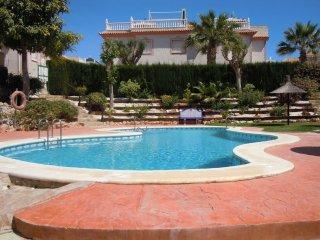 2 Bed House + 2 Communal Pools - Playa Flamenca