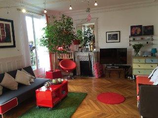 Grand deux pièces ensoleillé à Montmartre