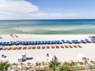 Beachfront condo w/ balcony, gulf views, hot tubs & pools - snowbirds welcome!