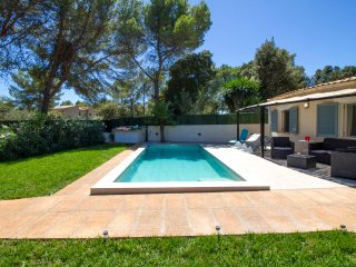 Lola - Wonderful house w/ pool and BBQ. Just 5min from Pollensa and Alcudia., Sa Pobla