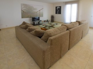 Naty- Bright and modern apt. 100m from Port Alcudia 's promenade!, Port d'Alcudia
