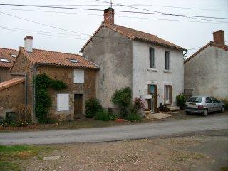 MAISON DE CAMPAGNE POUR DEPAYSEMENT , ET CALME !!! Ou pour déplacement proffessi, L'Isle-Jourdain