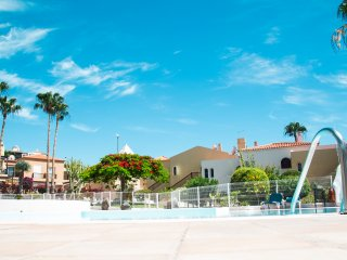 Beautiful 2-bedroom apartment, Costa Adeje