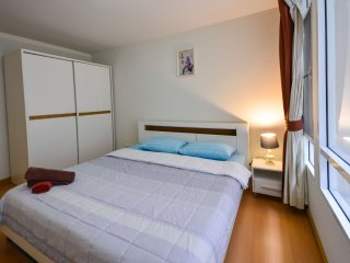 Cozy stay in luxuary condo @Patong w/wifi, pool