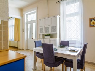 Veres Sunny Central Apartment