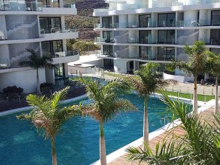 LUXURIOUS APARTMENT IN PALM-MAR, ARONA