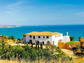 VILLA LIMONI 6BR-lux&terrace&beach by KlabHouse, Sciacca