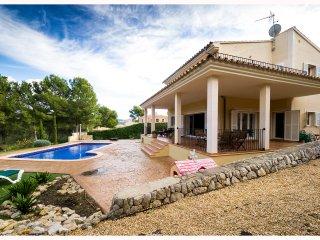 4 Bedroom Luxury in Santa Ponsa