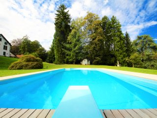 VILLA SILVANA 6BR-heated pool& lake view KlabHouse, Limonta