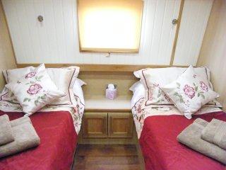 River Thames Hotel Boat - 'Continental or Full English Breakfast', Abingdon