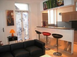 Jaures One Bed (JH) - 1039