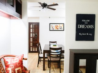 Cozy condo in the heart of Eastwood City, 2bd2bath