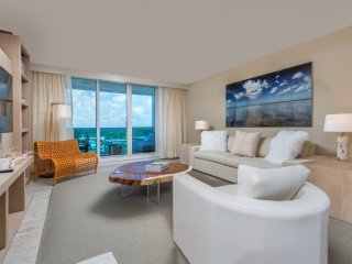 Luxurious Condo Hotel 1/1.5 Beachfront Unit 1127