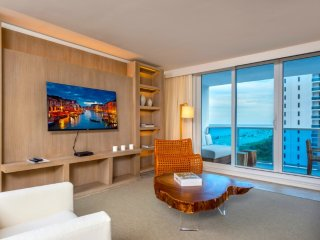 1/1.5 Ocean Front Located in 5-Star Hotel 8190, Miami Beach