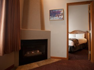 Sun Peaks Nancy Greene's Cahilty Lodge 1 Bedroom Suite