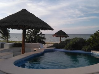 Beach front Villa, Yucatan Riviera - 6 bedrooms, Telchac Puerto