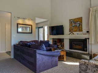 Inviting condo w/ 3 shared pools, hot tub, tennis,  & fun-filled game room