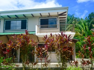 Private 2BR Villa, Tropical Gardens & Pool!