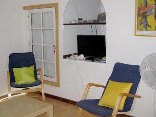 Neffies holiday apartment with pool near Pezenas France sleeps 6