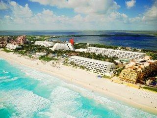 *WINTER SPECIAL* The Grand Oasis Pyramid Suite, Cancún