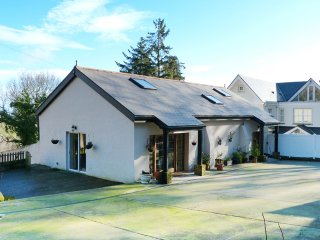 Enniskerry, Sunny South East Coast, County Wicklow - 14546