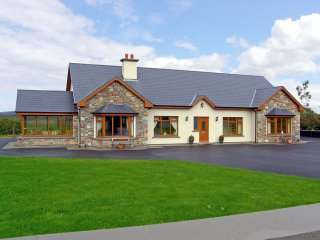 Muckross, Lakes of Killarney, County Kerry - 5100